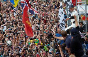 Lewis Hamilton, fans