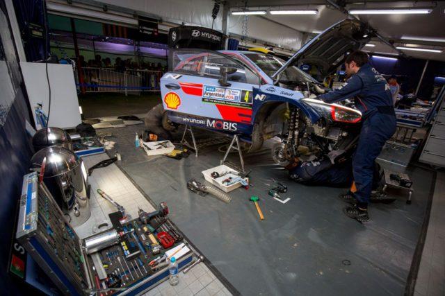 Hyundai, pit, box, garage