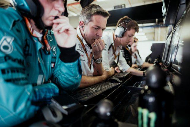 Mercedes, garage, engineers