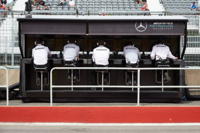 engineers, pit wall, pitwall
